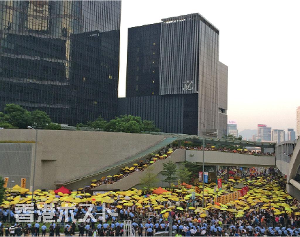 香港:セントラル占拠から1年、三権分立めぐり物議