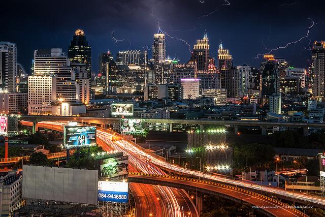 タイ企業、今年と来年ボーナス増の見込み、海外の需要増などが背景