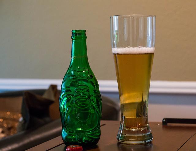 中国大手ビール、華潤・青島の相対する戦略、バドワイザーが背中を追う