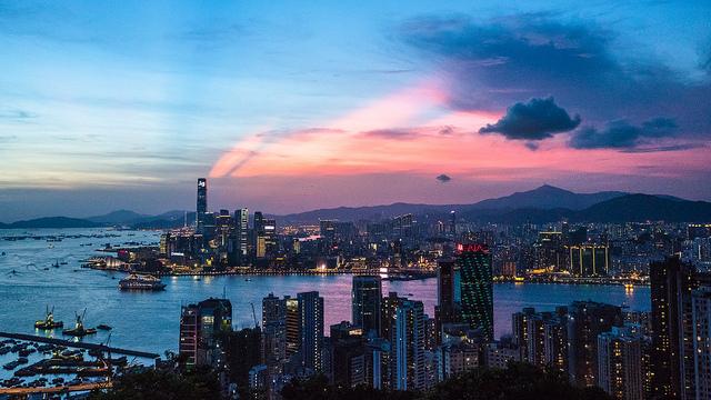 香港と中国本土、経済協力を更に強化、サービス貿易協定に調印