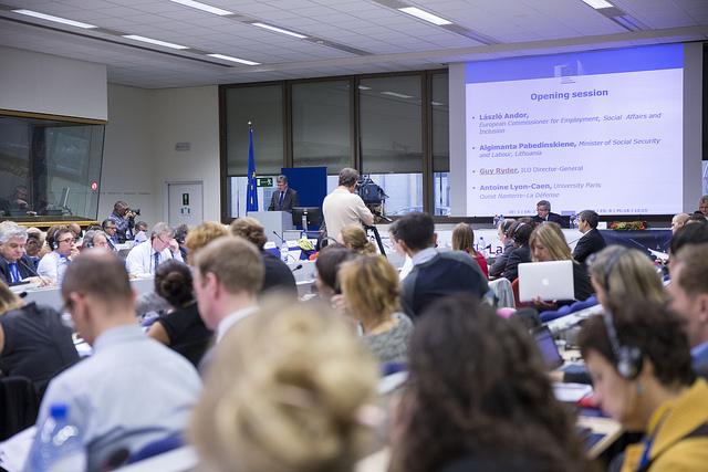 欧州委が新提案、ローミング料金頻繁利用者への課金容認へ