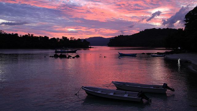 「ハラル観光」でインドネシア・ロンボクを売り出せ、政府が観光開発