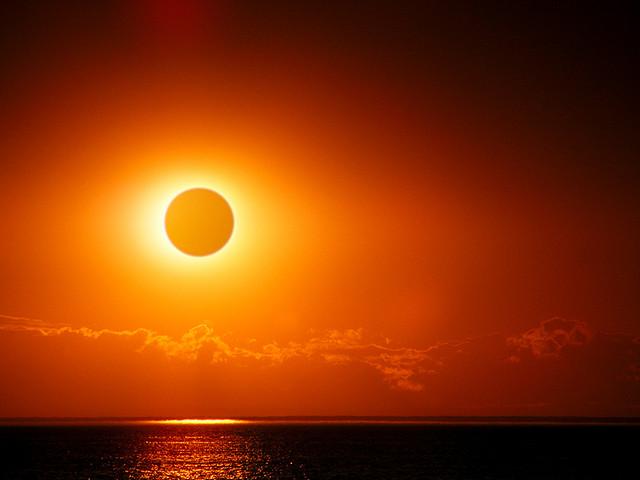インドネシア、3月の皆既日食ツアーが外国人に人気