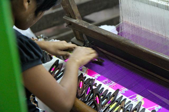 ミャンマー、2016年縫製輸出額は20億米ドルに達した可能性