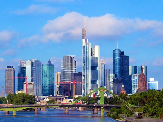 ドイツ、企業の景気判断がやや改善、個人消費に直結する業界がけん引