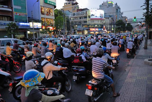 ベトナム、ようやく進み始めた規制緩和、繊維産業に成長の兆し