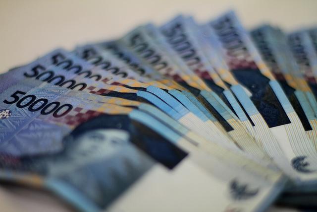 インドネシア、来年にもプラスチックに課税か