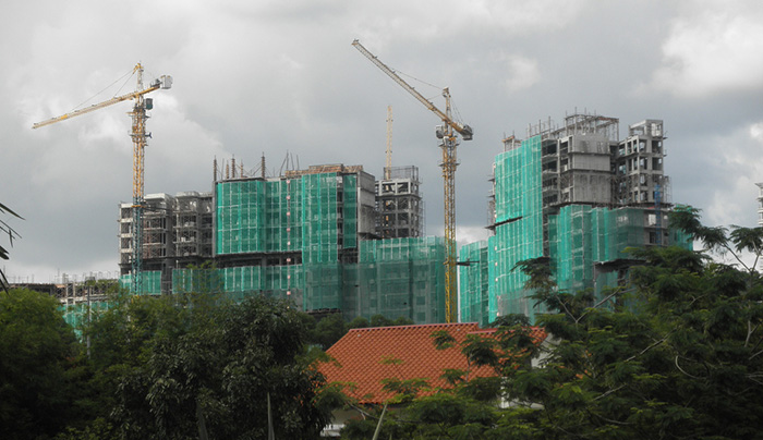 マレーシアが海外労働者受け入れ凍結、数十億ドルの損失の可能性