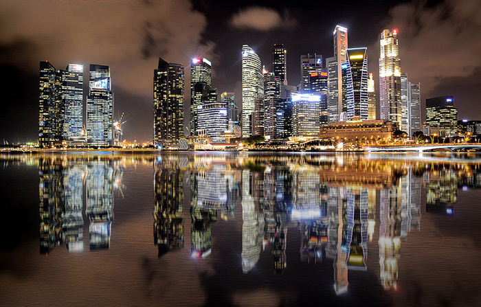シンガポール・タン大統領が安倍首相と会談、通貨スワップ協定締結