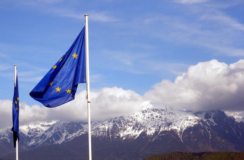 不法移民の強制送還で正式合意、20日から実施=EU・トルコ首脳会議