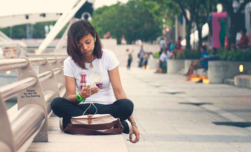 シンガポールでiPhone人気に陰り? 新モデル販売も長蛇の列見られず