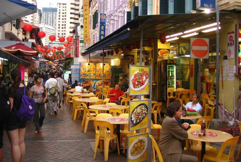 シンガポールで食事宅配にニーズあり EC事業者の実店舗参入が増加