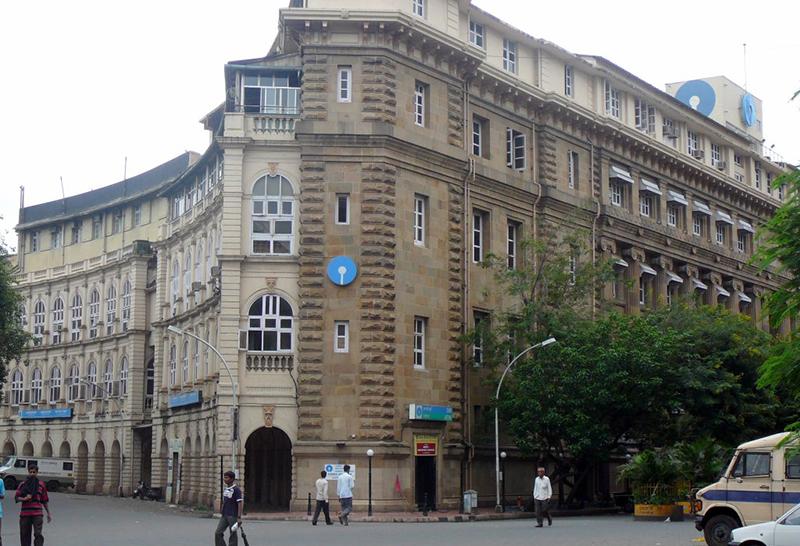 インドの金融業界が再編、国営銀行26行が6つの金融機関に統合か