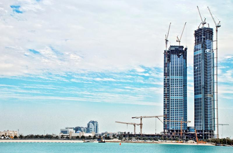 アブダビの二銀行の合併承認で、中東最大規模の銀行誕生へ