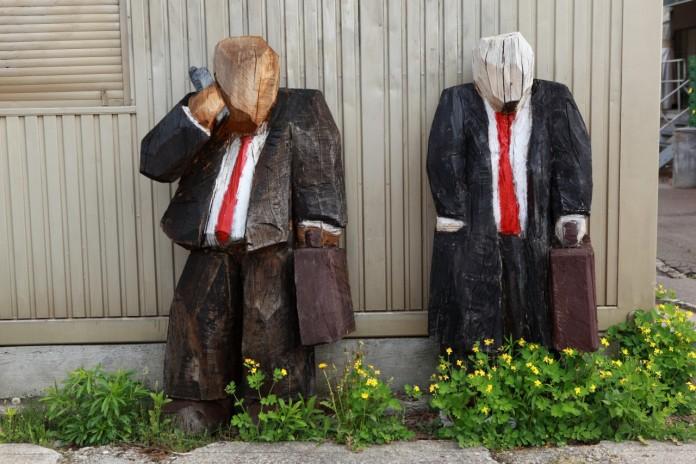 【外国人の視点】誤解されやすい日本のビジネスマナー、海外との違い