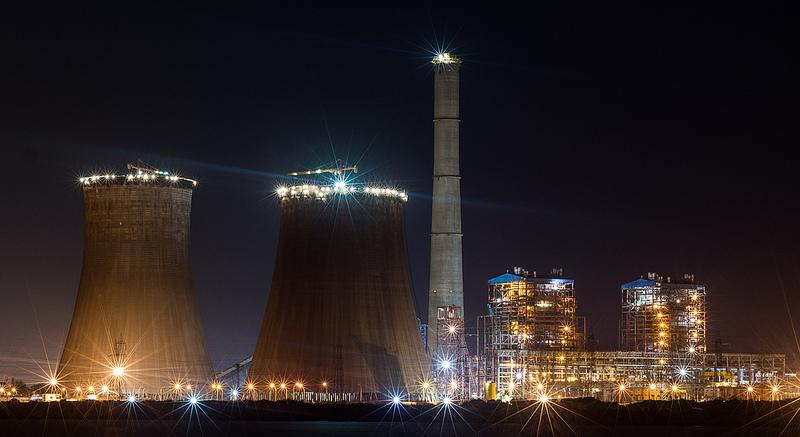 台湾、蔡英文総統、林口の火力発電を視察