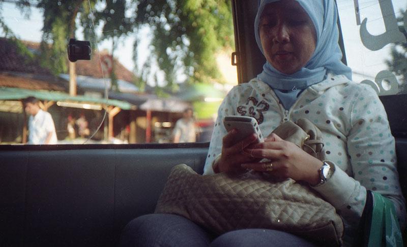インドネシア、インターネット利用者急増、国民の半数以上に