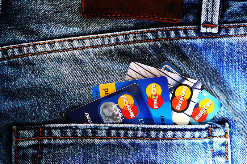 香港、クレカ使用時の返金に関する規定がまちまちで、ユーザーが困惑…