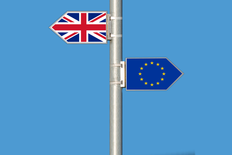 EUと英の離脱交渉、「2段階方式」で合意