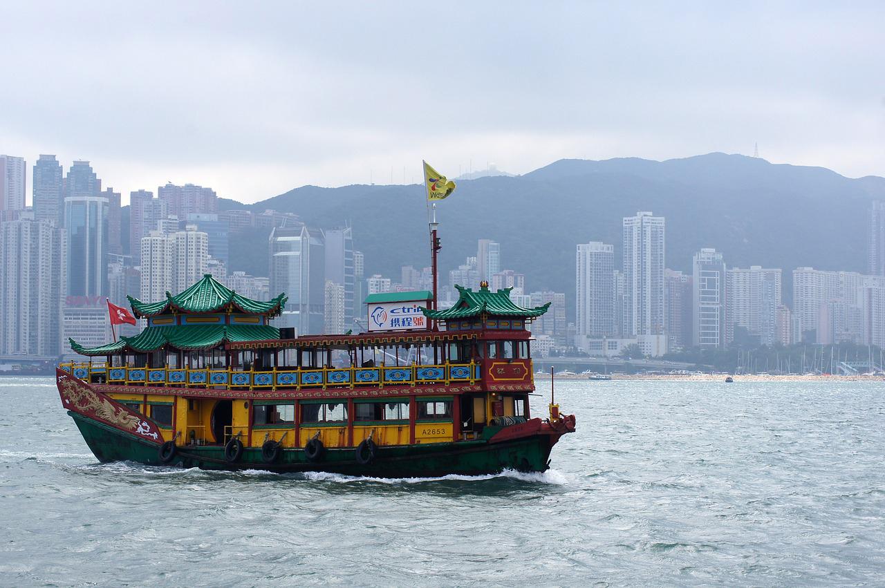 香港の全人代委員長が行政長官選での発言権を強調