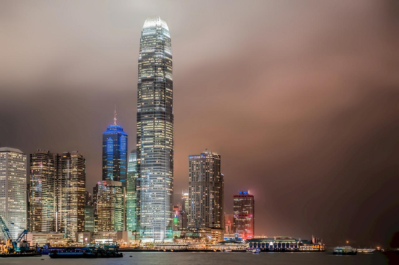 香港の輸出総額、16年12月は10%増