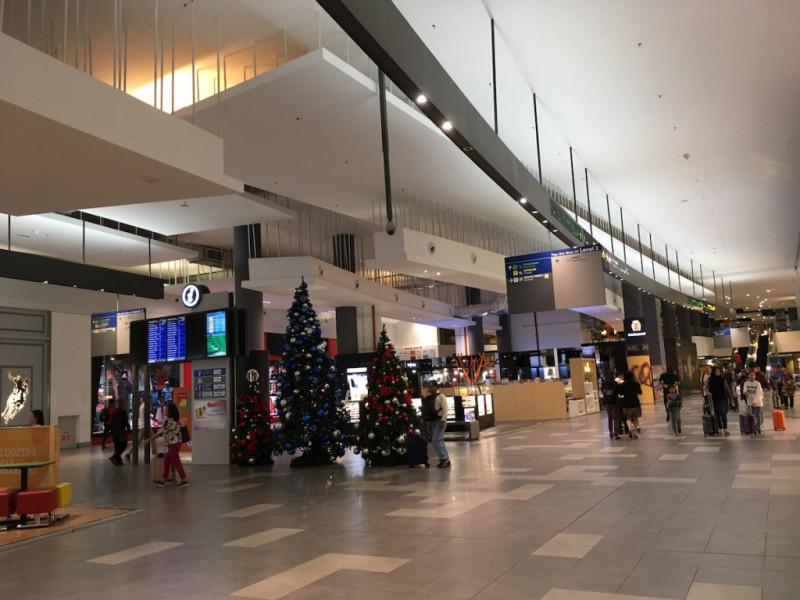 インドネシア:新ターミナルオープン 中部カリマンタン空港