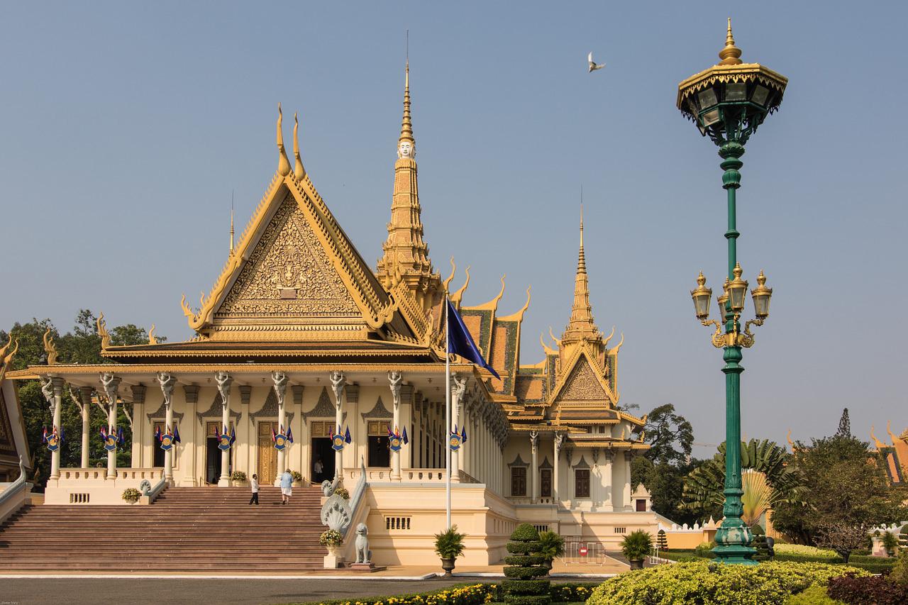 カンボジア:労働者らの人権の状況を懸念する国際企業ら