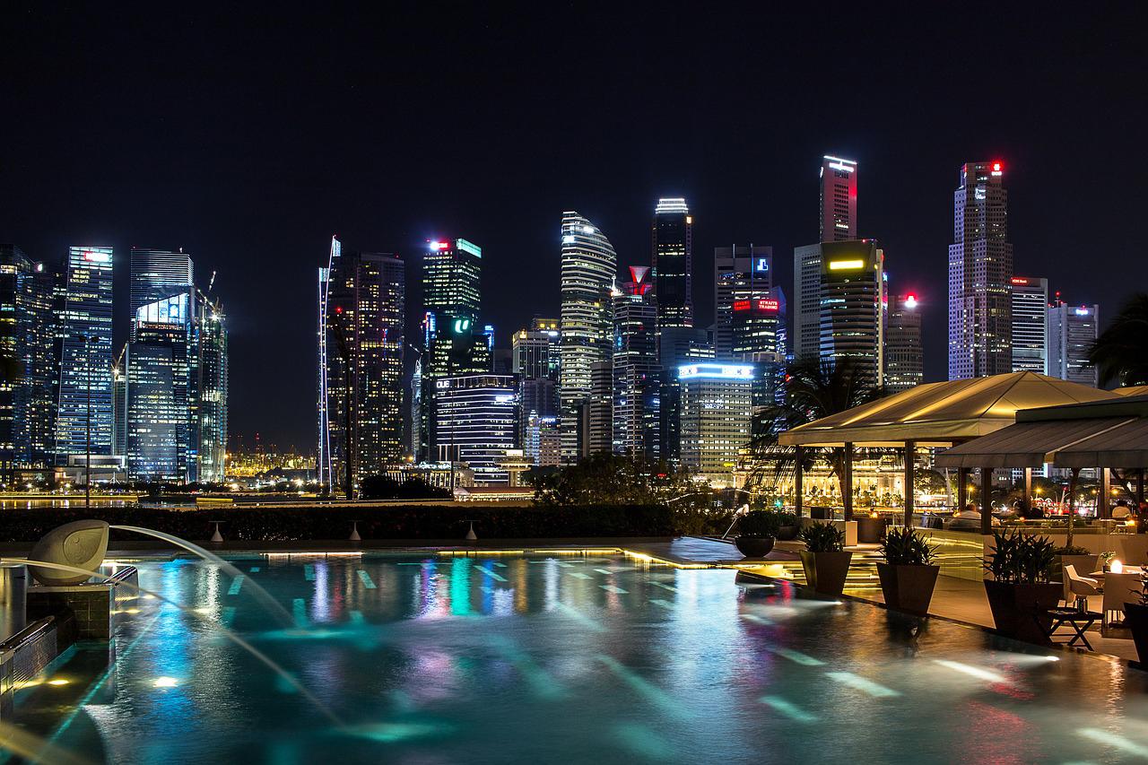 シンガポール、上場企業の第4四半期決算、ほぼアナリストの予想どおり