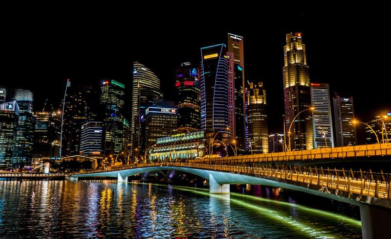 シンガポール・政府系オンラインサービスを利用時に、企業専用のID利用の義務付け