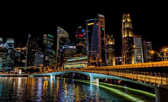 シンガポール、乗用車COE価格が軒並み上昇、オートバイは最高値を更新