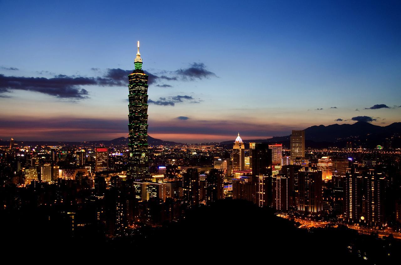 台湾、デパート飲食業、不景気でも好調