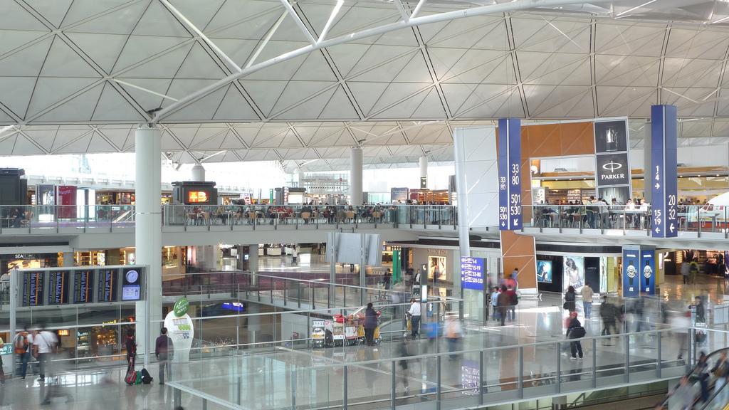 パナソニック アビオニクス コーポレーション、ドバイ空港の新しいハブを発表