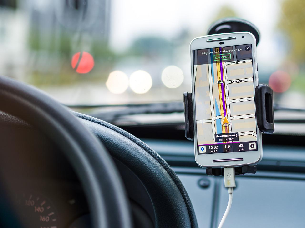 訪日個人旅行者向けの「GPS連動多言語ガイドシステム」の提供が開始