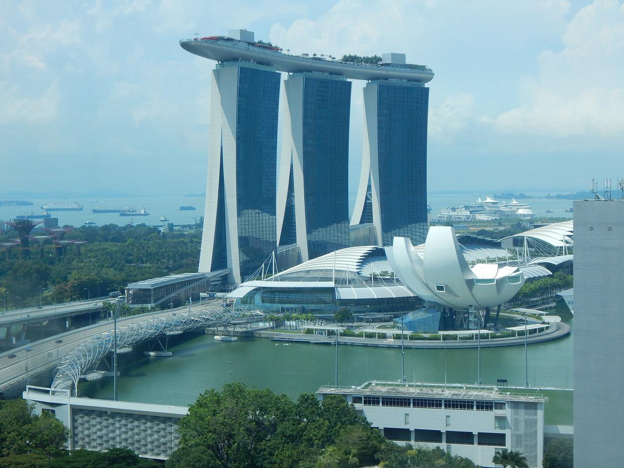 シンガポールの生活費の高さ  世界1位ではない? 所得税率を勘案