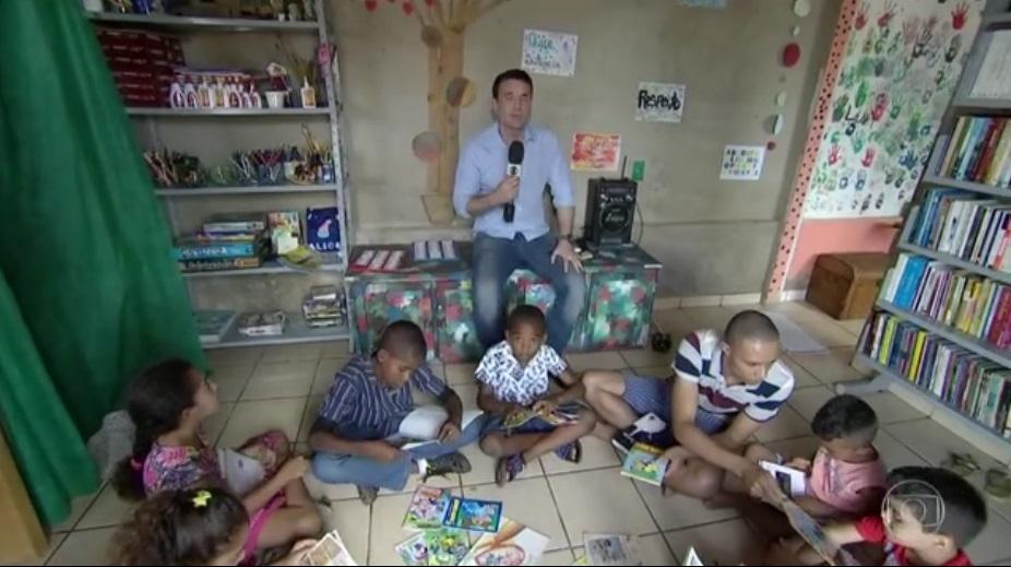 犯罪には本で応酬。ブラジルの大学生が子ども向け図書館を開設