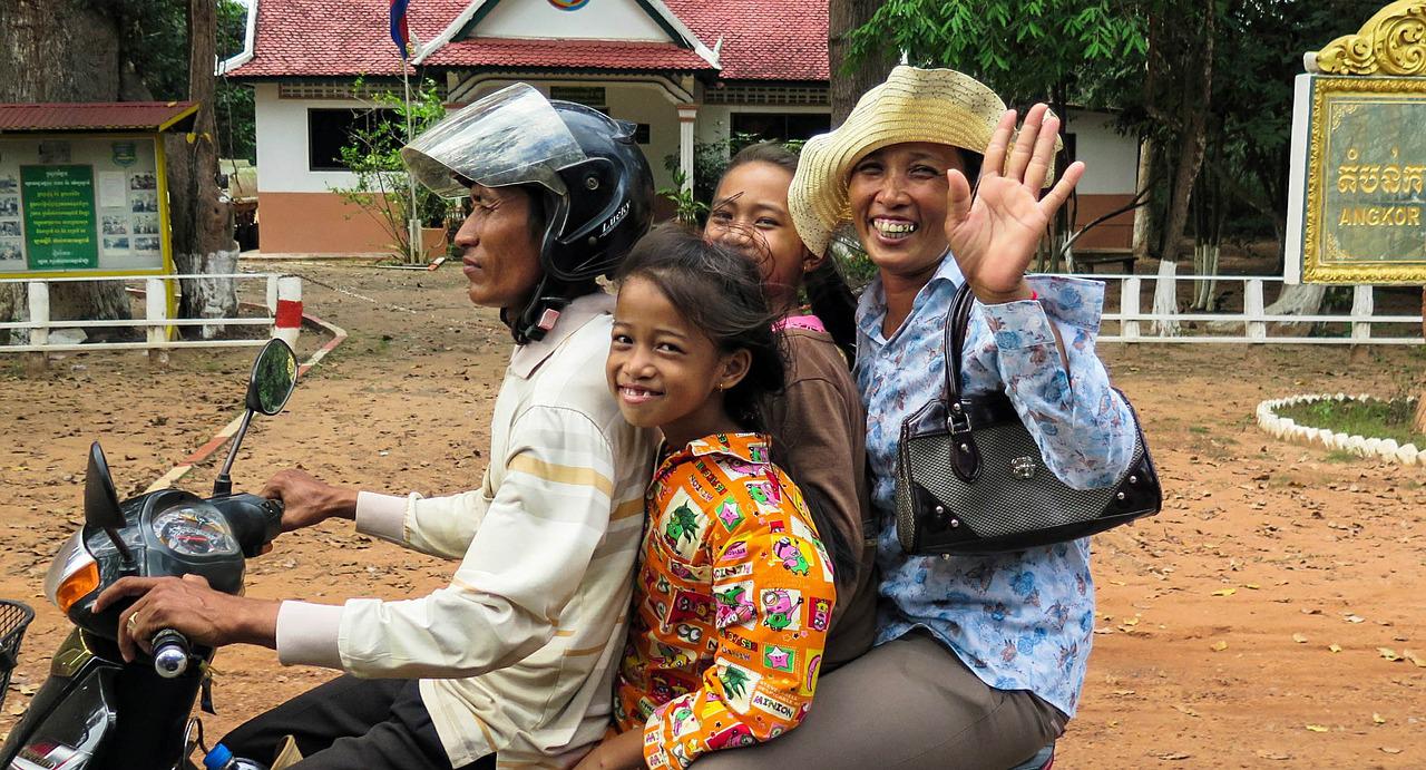 カンボジア国会で「最低賃金法案」が可決   繊維産業労働者の給付が14倍増化