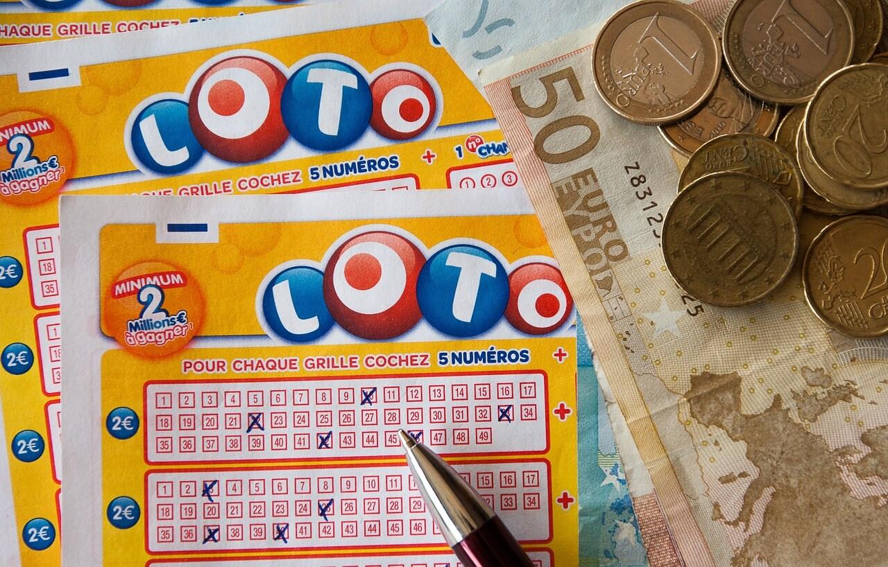 ミャンマーで1等賞金10億Ksの新宝くじ販売開始