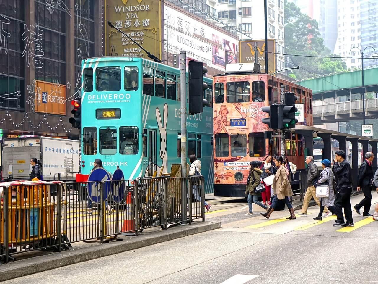 香港株市場、11月の平均出来高は23%増