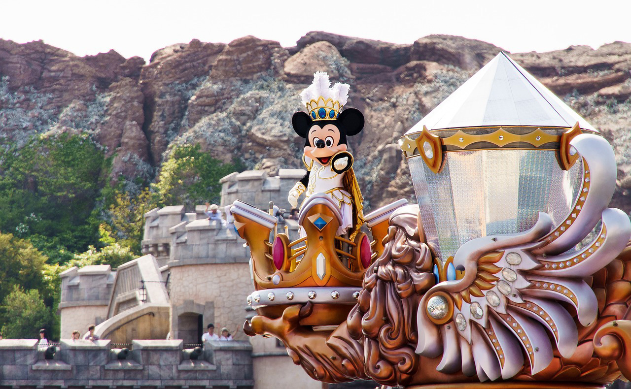 香港ディズニー、アメリカ側に諸経費の再検討要求へ