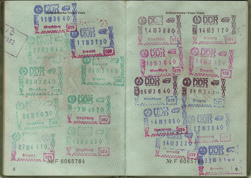 ドバイではパスポートまでもがアプリ化!?