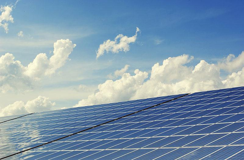 ソフトバンクグループとサウジアラビア政府が太陽光発電計画で合意