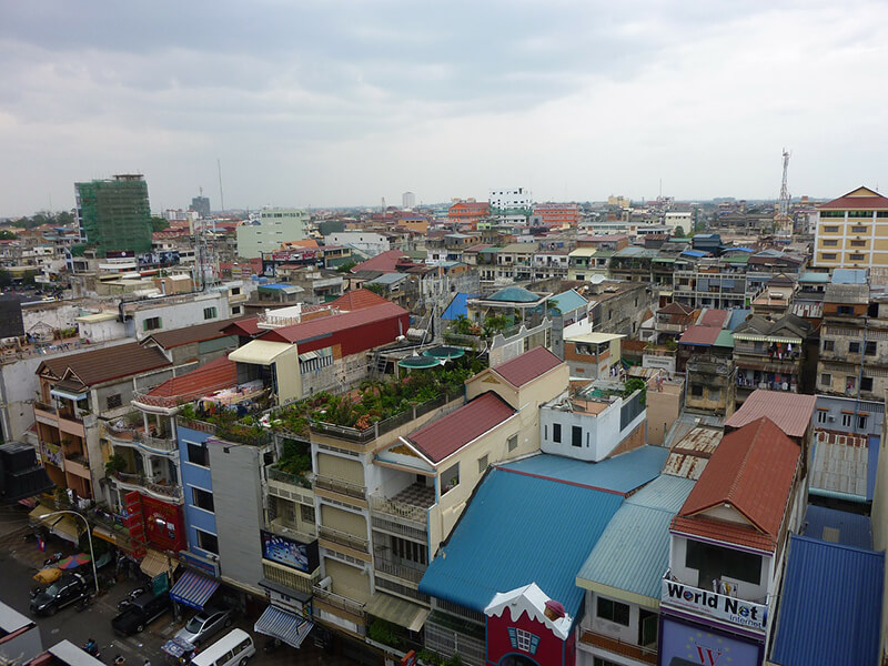 カンボジのアパレル産業は政治的弾圧の代償を支払うことになるのか?【前編】