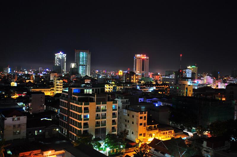 カンボジアから日本の輸出量の伸びが減少
