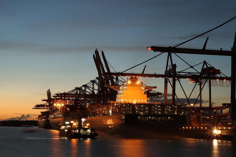 香港の港湾コンテナ取扱量、3月は17%増