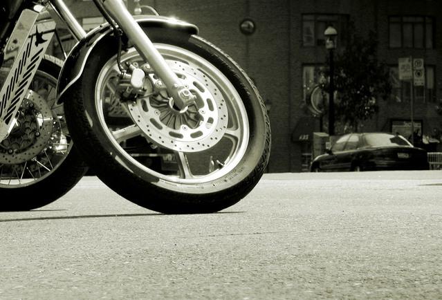 シェアバイクのマナー違反で取り締まり強化、将来は罰金も