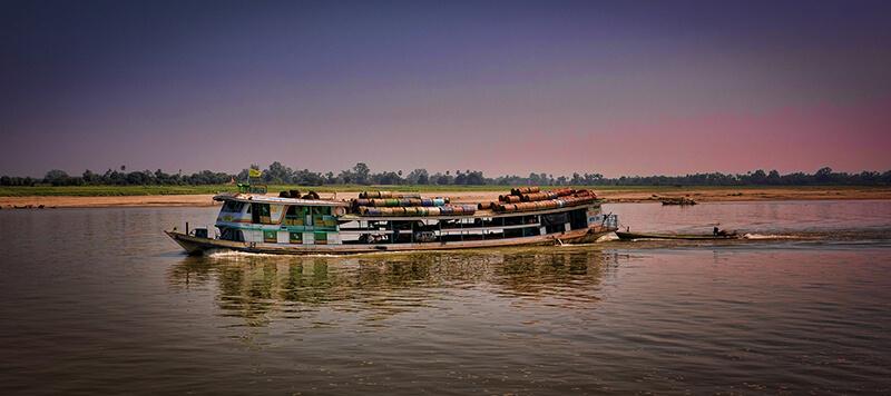 ミャンマー:洪水は9万エーカーの水田を破壊