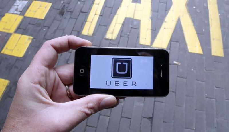 「Uber」が相乗りサービスをシンガポールで開始も業務売却の可能性