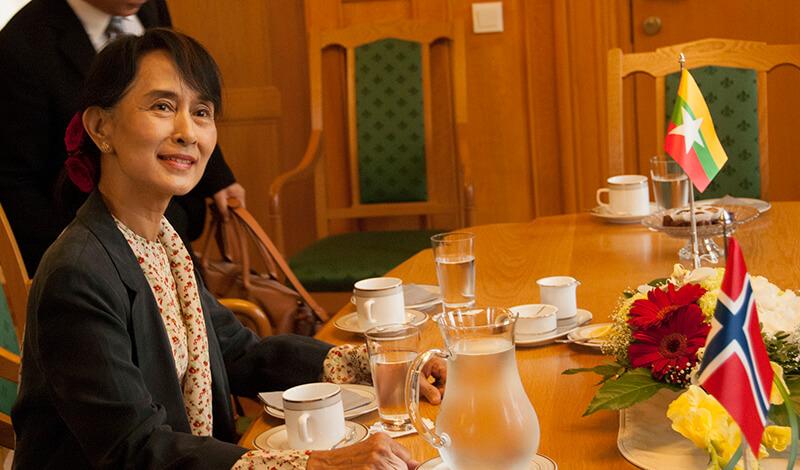 ミャンマーのアウン・スー・チー国家顧問  日本の「経団連」と会談