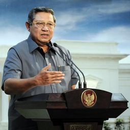 インドネシア・ユドヨノ元大統領が自著出版、自身のツイートまとめる