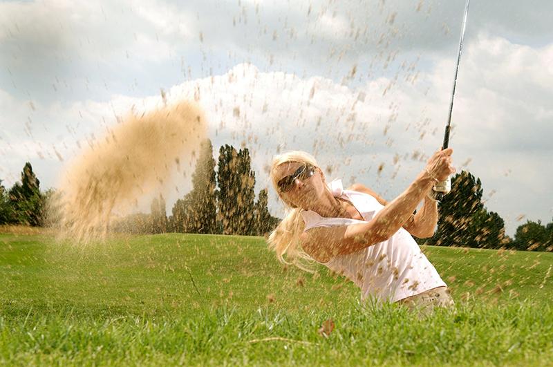 インドネシア観光省、日本人旅行者数を祝うゴルフイベント開催
